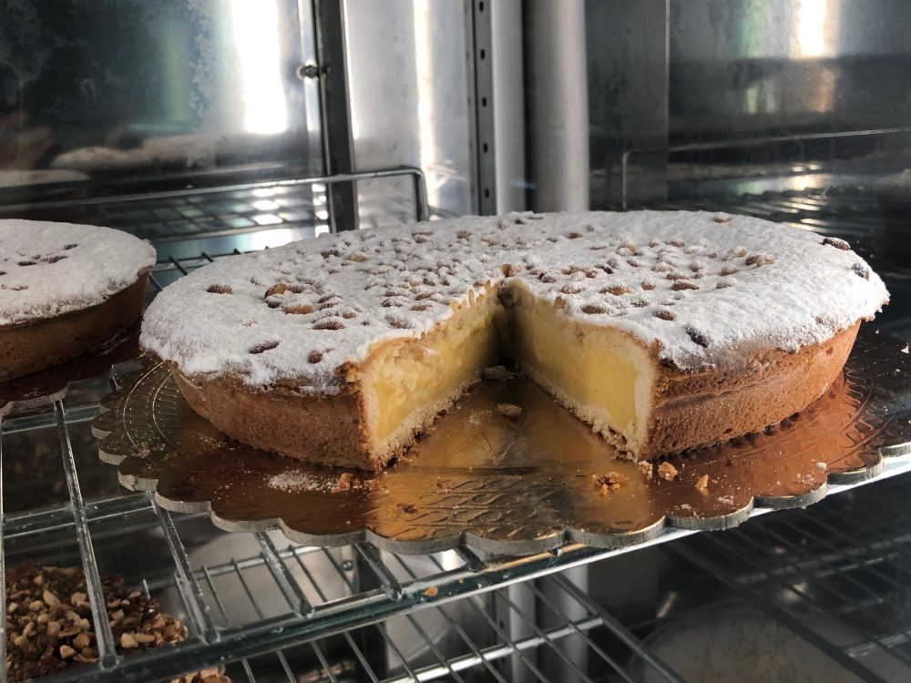 Mamma Grazia, una delle loro specialita' storiche, la torta della nonna