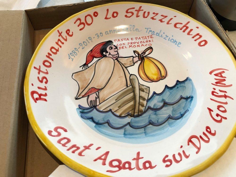 Lo Stuzzichino, anche nella versione in ceramica di Buon Ricordo