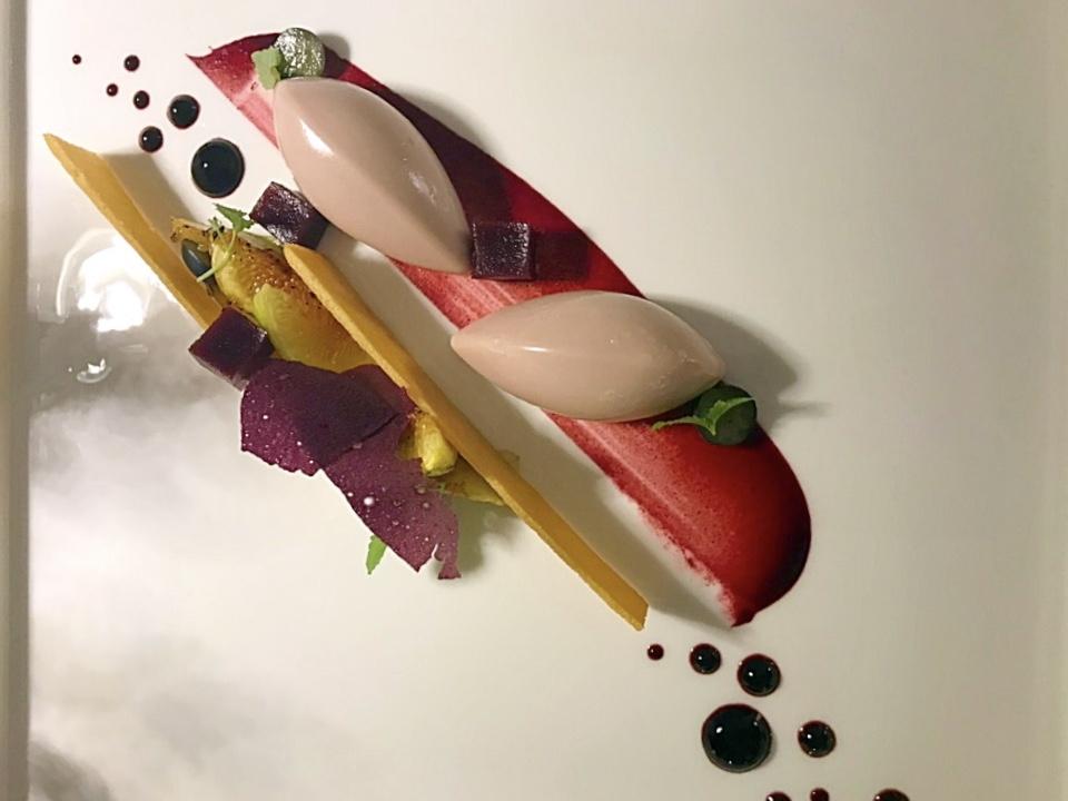 Jose' Restaurant - Namelaka al ciocolato ruby, fichi e lavanda