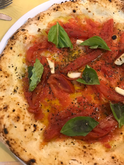 Reginella Pizzeria - pizza Marinara con pacchetelle