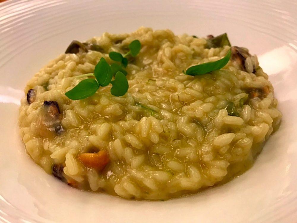 Ristorante Costanzo - Riso Acquerello invecchiato con peperoncini verdi del fiume e cozze
