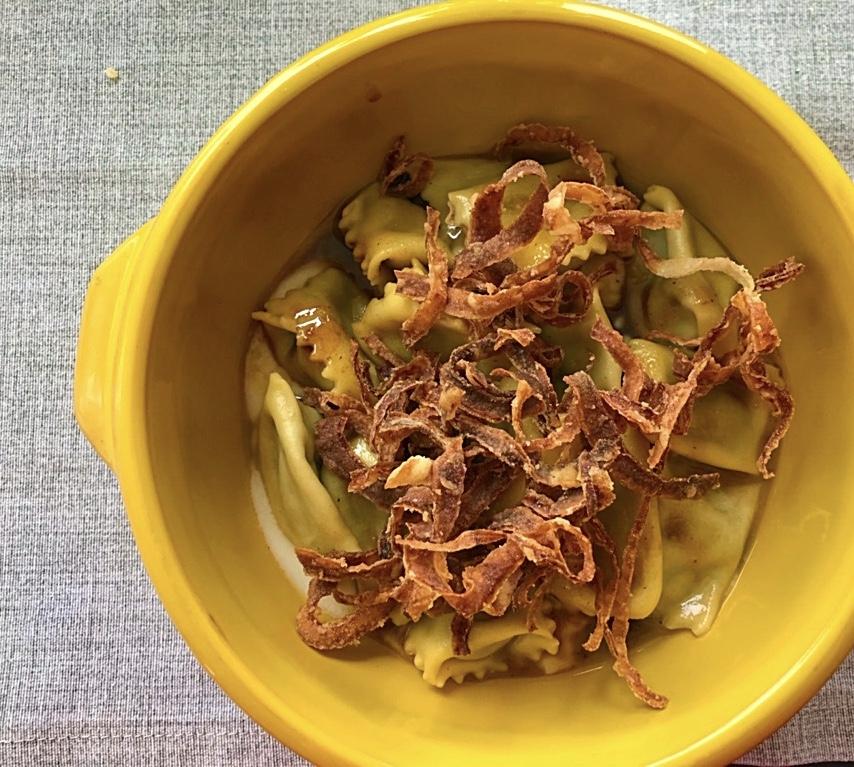 Ristorante RuRu' - Tortello ripieno di brasato di manzo, caciocavallo e cipolla di Alife fritta