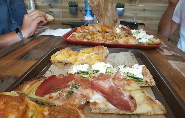 Tavolo sociale del Panificio Bonci - la pizza di Bonci