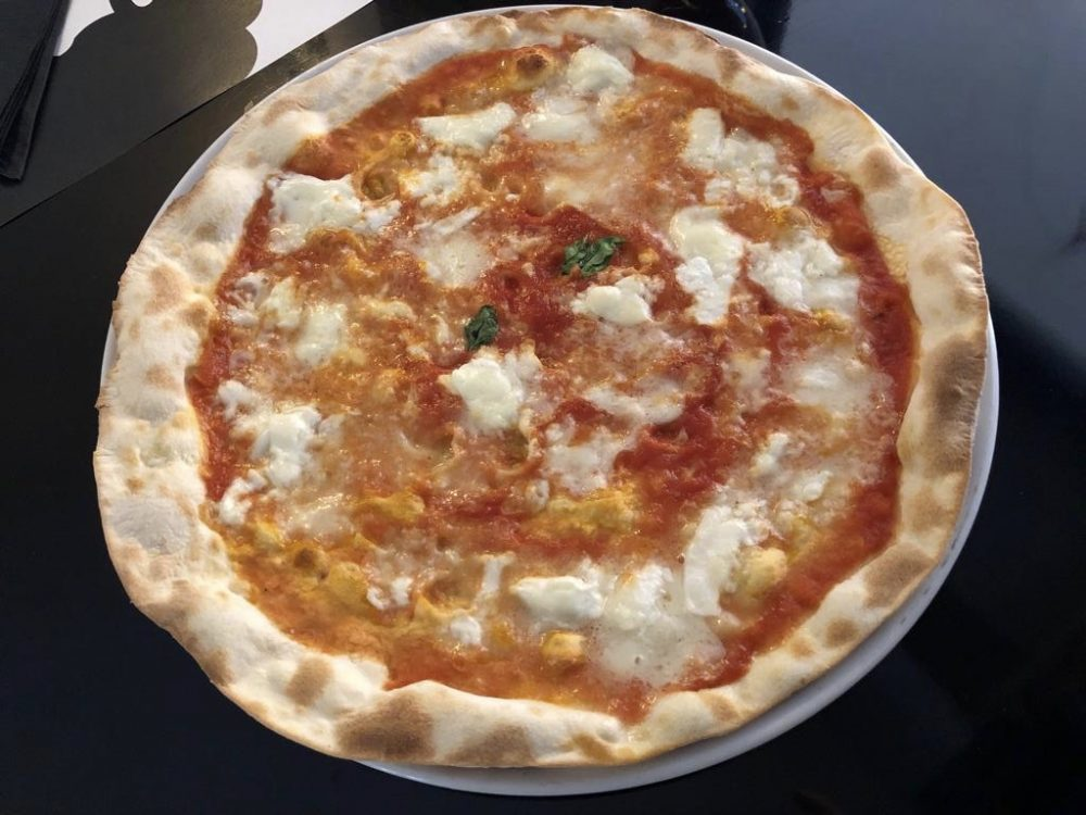 Pizzeria Barabba, bufala