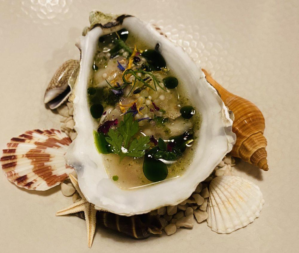 Marco Ambrosino - ostrica, maionese di ostrica, perle di tapioca, ippocrasso