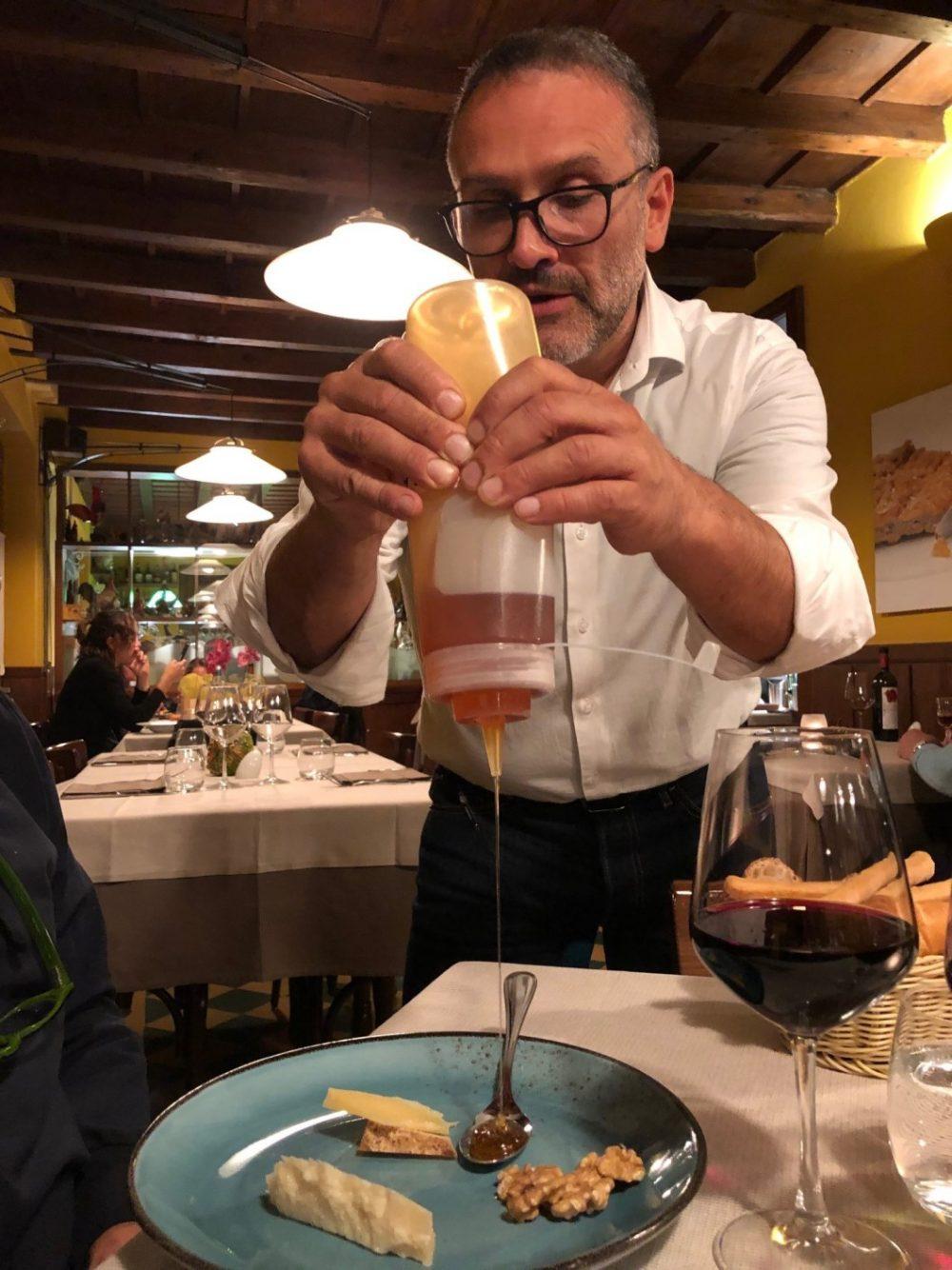 Antica Trattoria del Gallo, Paolo al servizio del miele