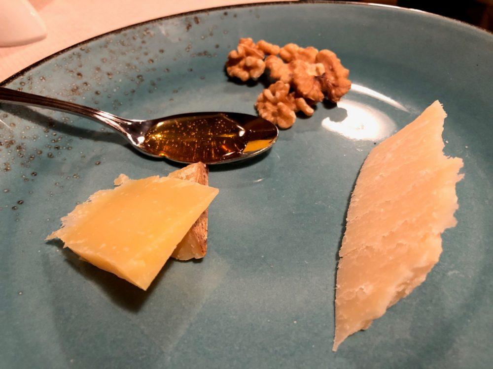 Antica Trattoria del Gallo, l'assaggio di formaggi