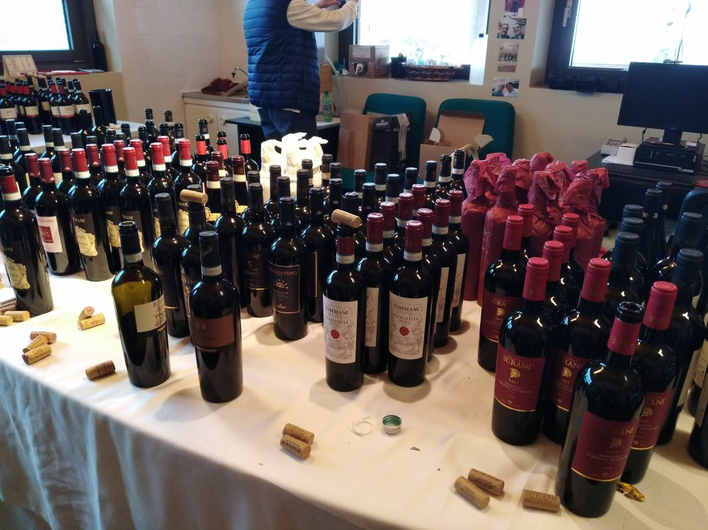 Bottiglie di vino di aziende Tommasi