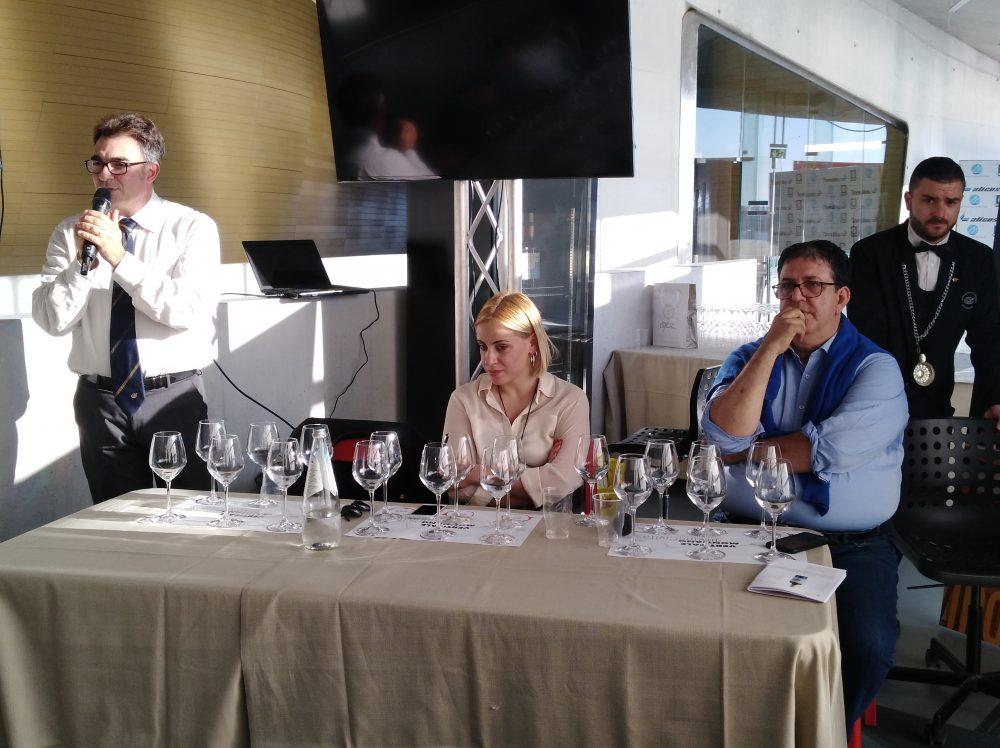 In Vino Civitas Presentazione da parte di Nevio Toti, Enrica Cotarella e Luciano Pignataro