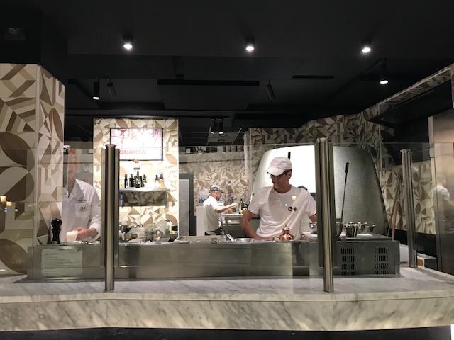 Pizzeria Francesco & Salvatore Salvo - banco di lavoro