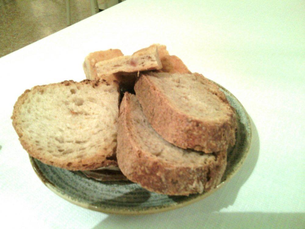 Vicolo Colombina- Cestino del pane con Crescente bolognese, pane integrale, pane a lievito madre