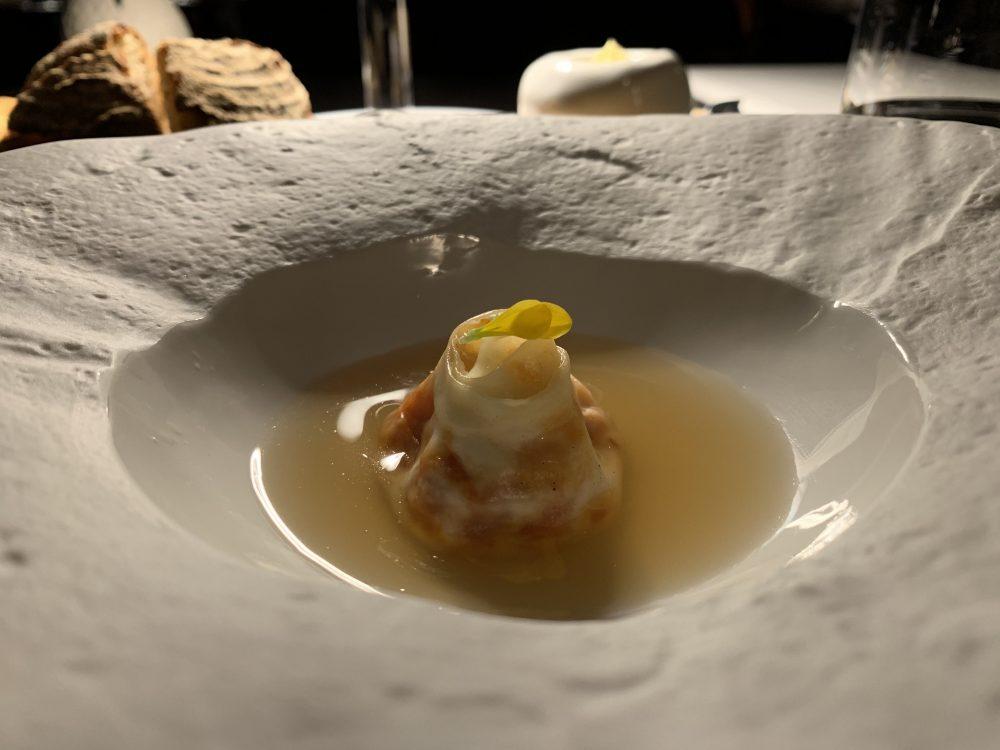 Vitium - Dumpling con pomodorino fermentato, caciocavallo, nocciola ed un Dashi balsamico allo zenzero
