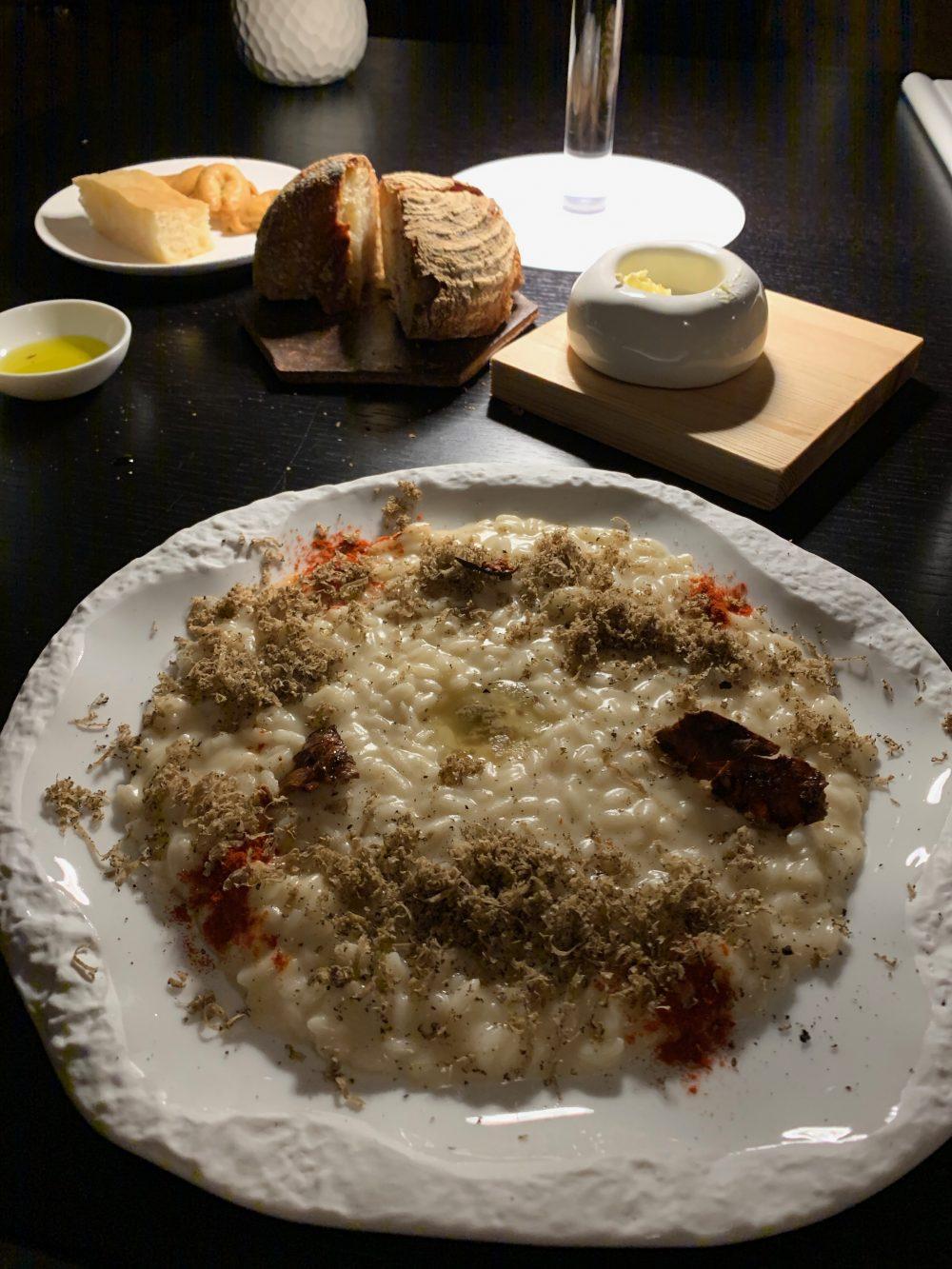 Vitium - Riso Buono mantecato con topinambur, pimenton, tartufo nero e brodo di midollo cotto al bbq