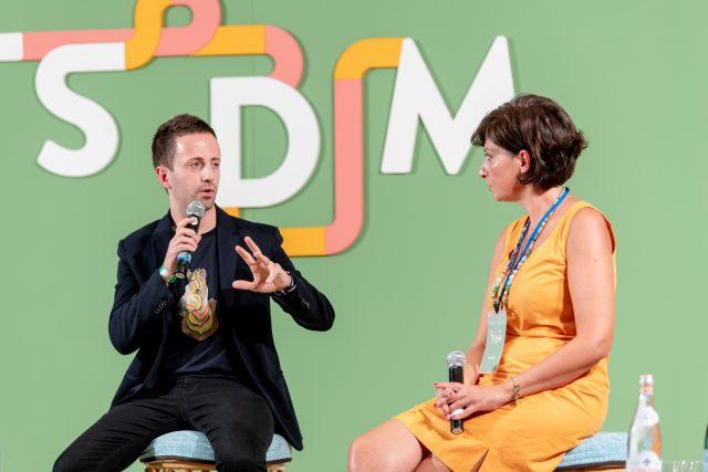 Danilo Cortellini sul palco di LSDM 2019 con Barbara Guerra