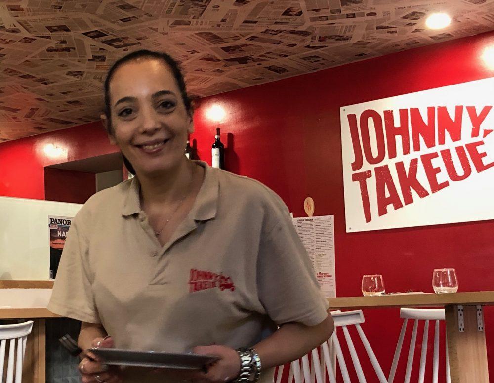 Johnny Takeue', la ragazza che si e' occupata del nostro tavolo