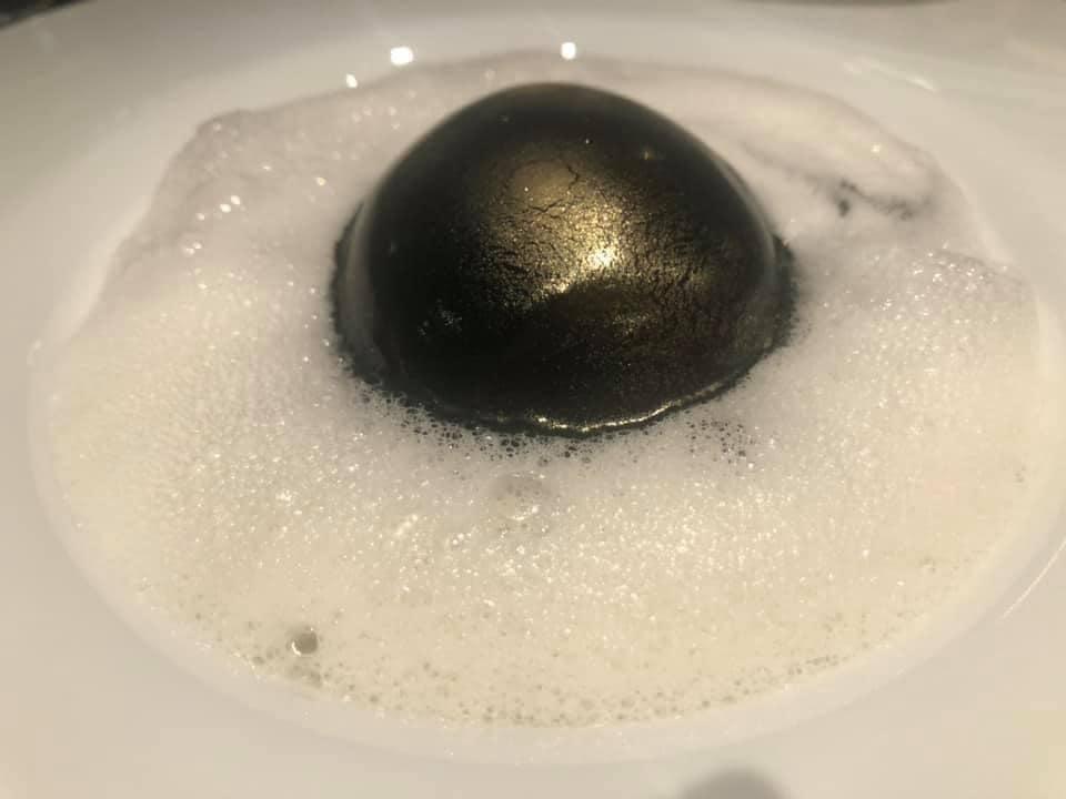 Grand Hotel Parker's - Uovo bio livornese cotto mollet con duxelles di funghi champignon, cremino e cardoncelli, noci di Sorrento ed emulsione al Parmigiano Reggiano 36 mesi