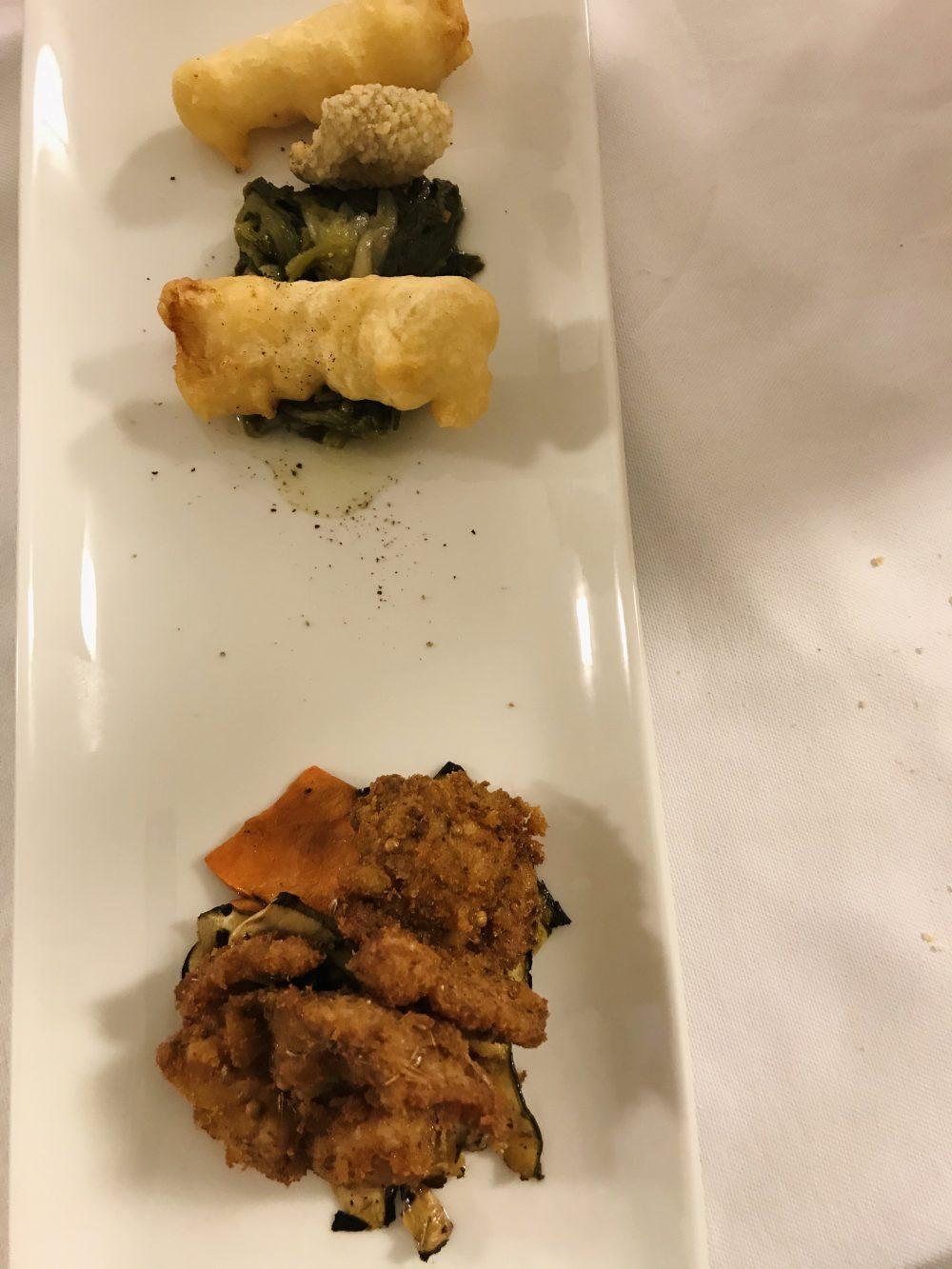 Il Frantoio Ducale - Bocconcino di coniglio con panatura di finocchietto selvatico, baccala' in tempura, scarola ripassata e zucca arrostita