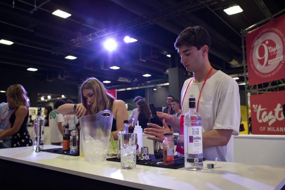 Presentazione Taste- Wine e cocktail bar