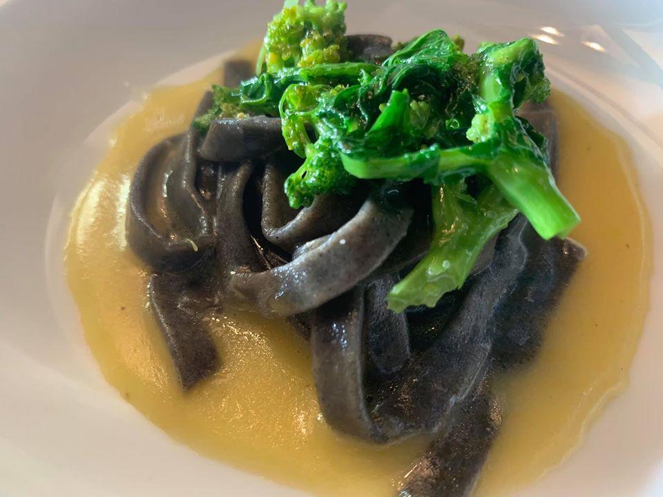 Ristorante Marenna' dei Feudi di San Gregorio, tagliatelle di grano arso con broccoli e patate