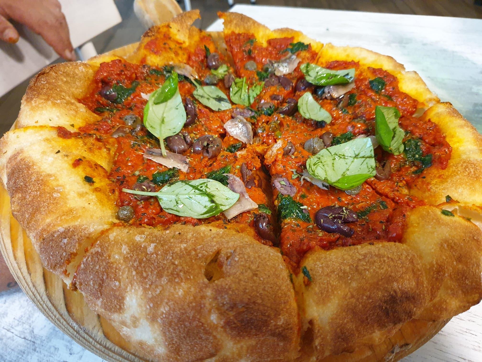 La pizza marinara di Martucci
