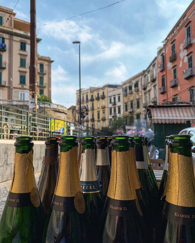 Champagne su via Salvator Rosa