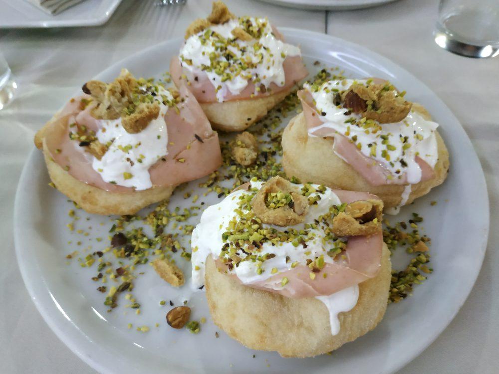 Limoncello - le montanarine con mortadella Igp, stracciata di burrata e granola di pistacchio