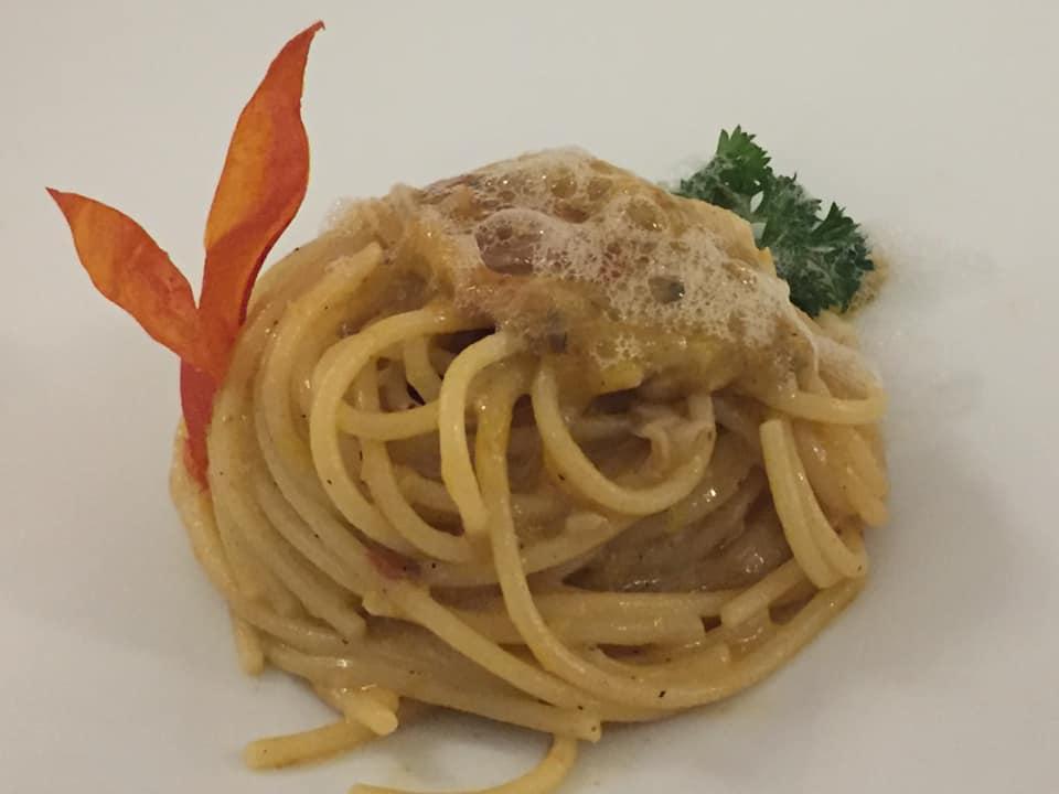 Ristorante Garo', spaghetto ai ricci e pomodorino giallo