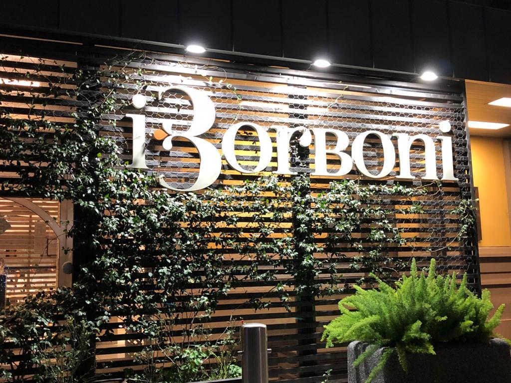 I Borboni, l'ingresso