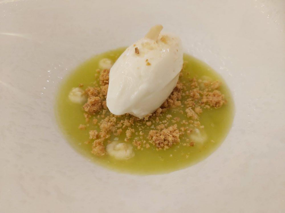 Chichibio - gelato a latte di capra, mela e mandorle