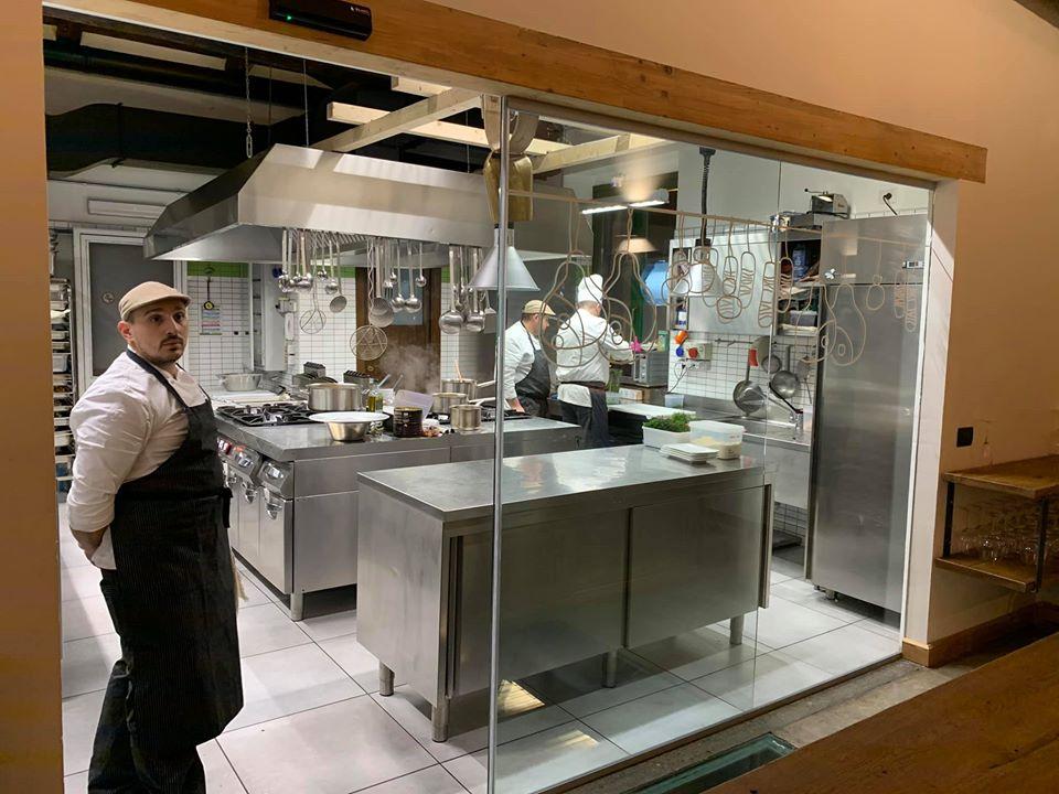 Accurso a Giffoni Valle Piana, la cucina a vista