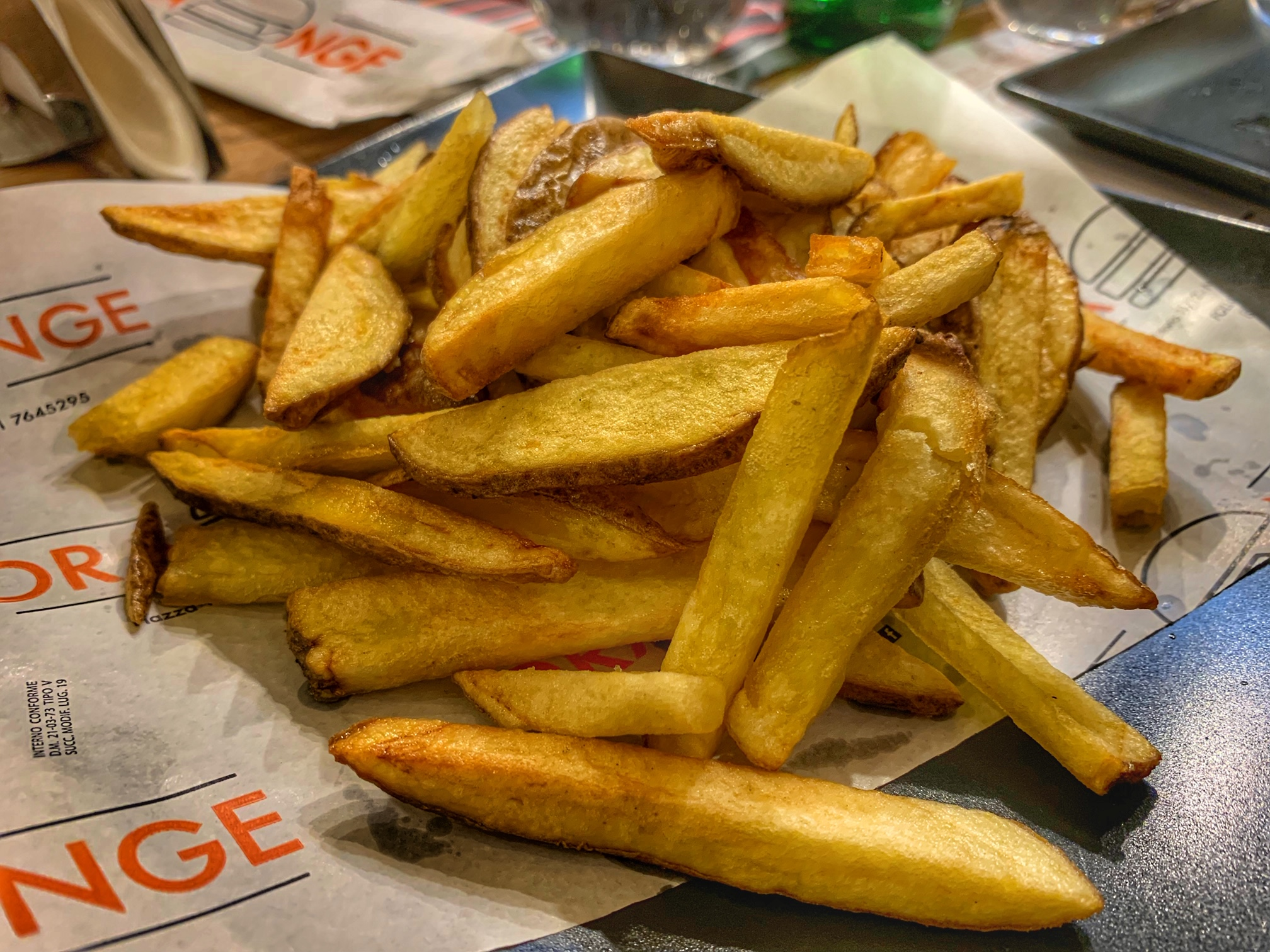 Orange - patatine fritte