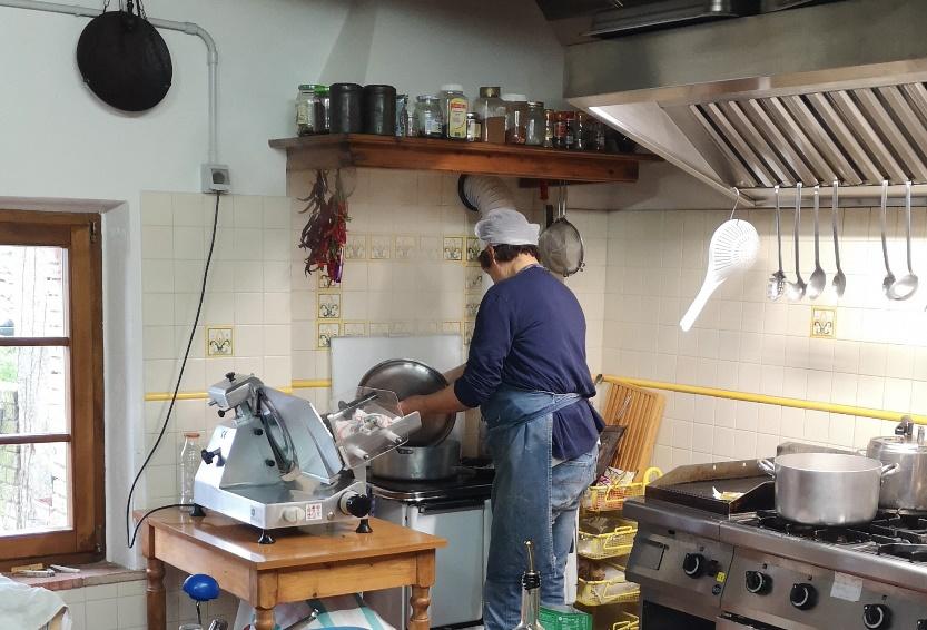 Casa del Chiodo - Paola in cucina