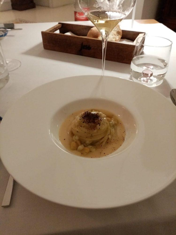 Jose' Restaurant - Spaghetti con trippe di baccala', ceci, limone e caffe'