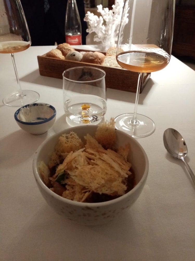 Jose' Restaurant - Uovo in purgatorio con crudo di gamberi rossi ricoperto di pane croccante