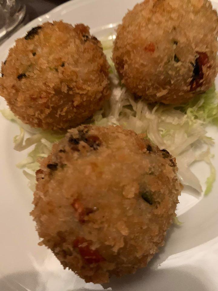 Core restaurant - arancine di riso patate e cozze