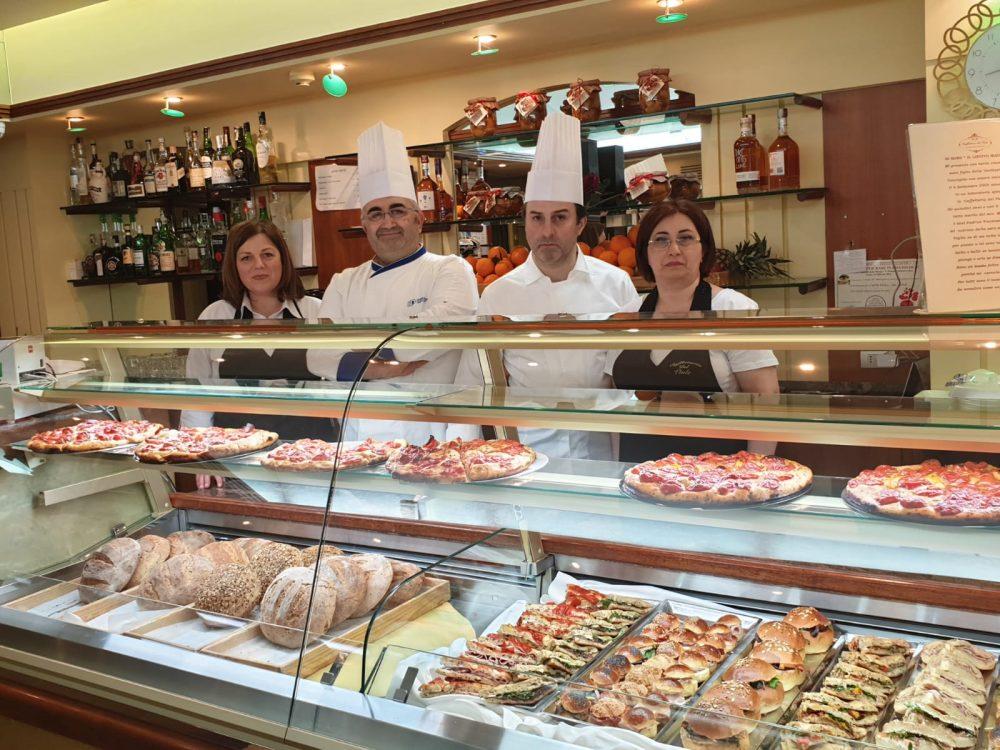 Caffetteria del Viale - gli artigiani Vincenzo e Nino in famgila