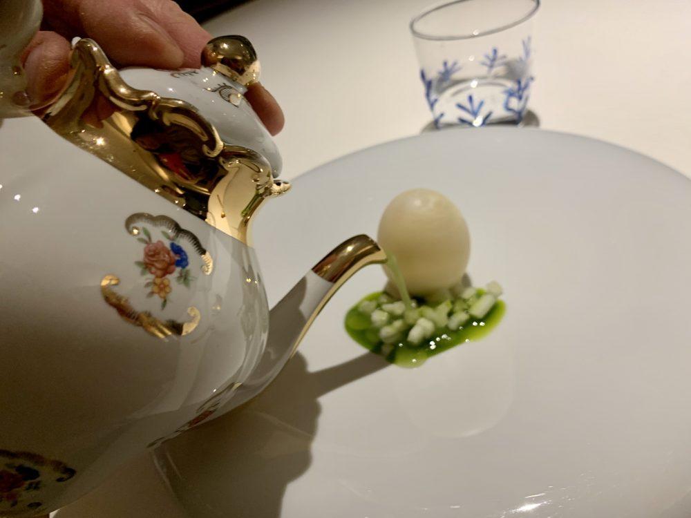 Hyle - uovo al mezcal, sedano e cipresso