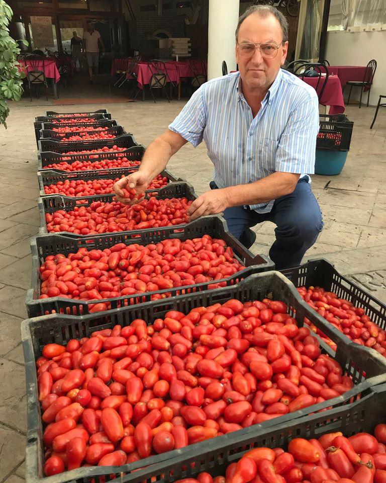 Mi Carro' - il papa' e i pomodorini di corbara