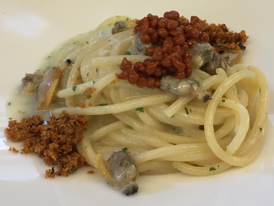 Sciabbo' Restaurant, spaghettone vongole e peperone crusco