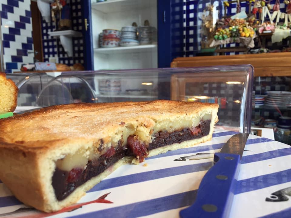 La Minervetta maison, torta crema e amarena