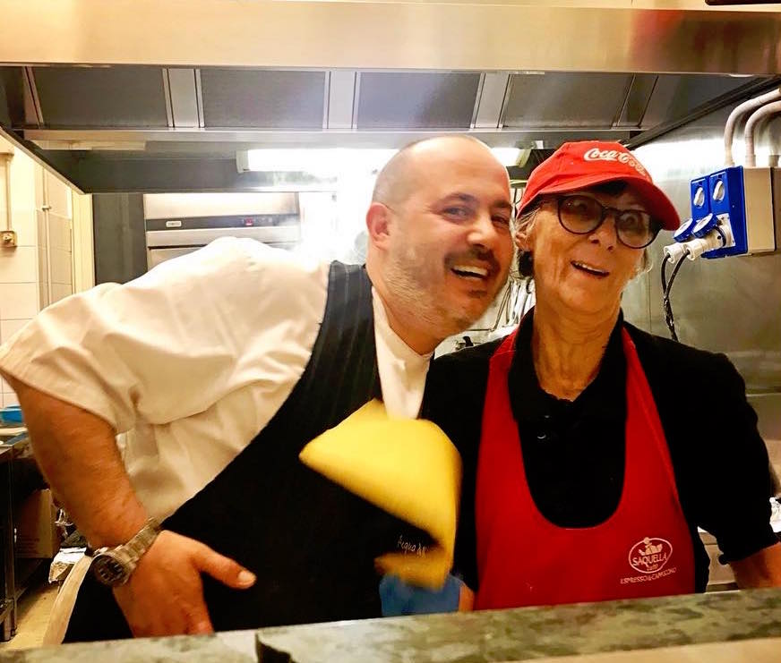 Gianluca De Santis, con la signora Rosella (foto di Irene Guidobaldi)