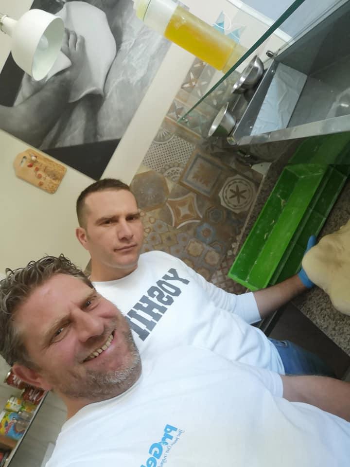 Io a sinistra e mio fratello