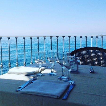 La Calabria apre bar e ristoranti