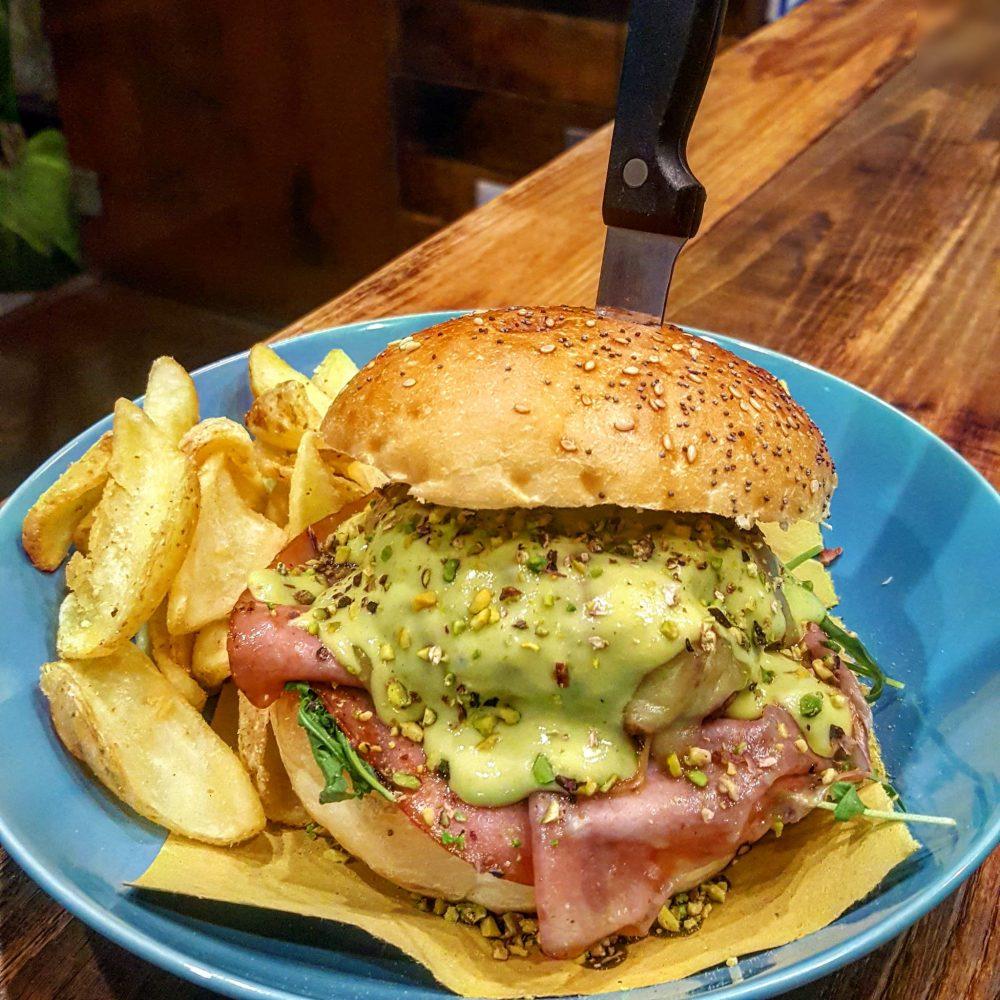 Ingordo Burger, Presidio