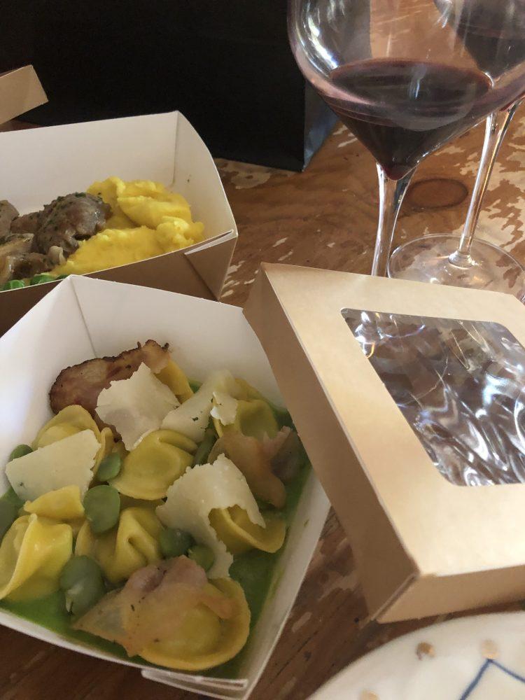 Tortelli di fave e pecorino, ossobuco di vitello con piselli freschi e pure' di patate del ristorante Al Ceppo Roma