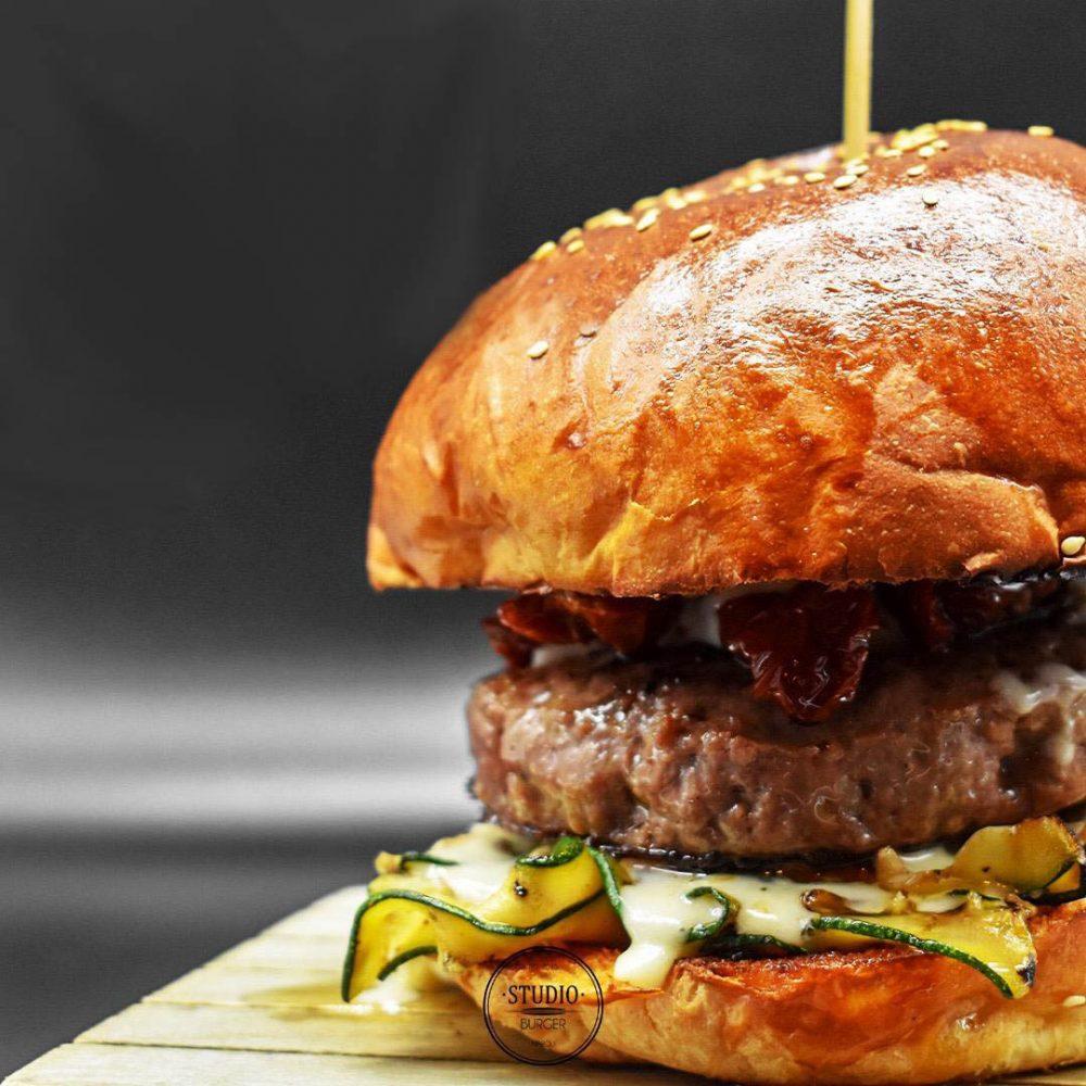 Studio Burger, Rizzo
