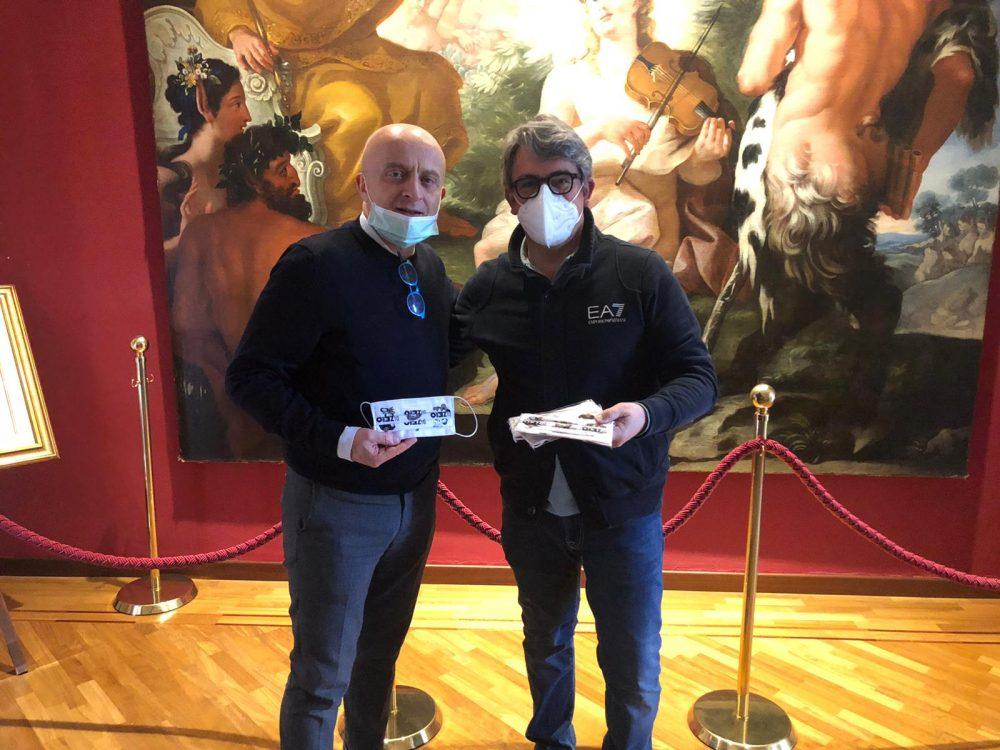 Consegna delle mascherine al sindaco di Vallo della Lucania Antonio Aloia