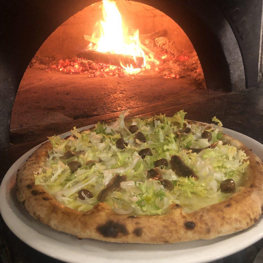 Pizzeria Resilienza - pizza scarola e alici