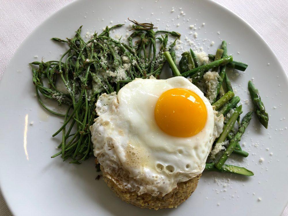 Trattoria Visconti, una delle loro galline ha fatto l'uovo