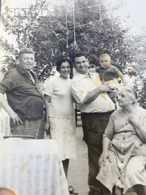 Foto del 1961 con la sorella di Giovanni Milana, Antonietta